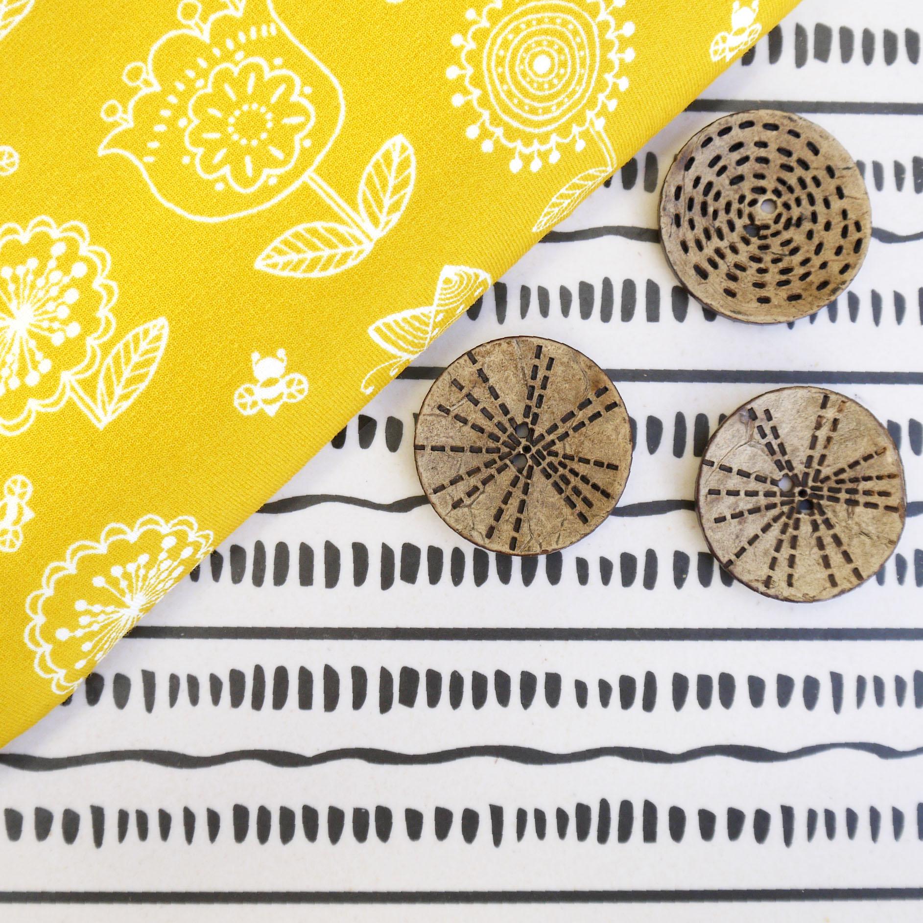 Tidöblomma Rebekah Ginda Design Blomängen Jersey Fabric Stoffe Kokosknöpfe