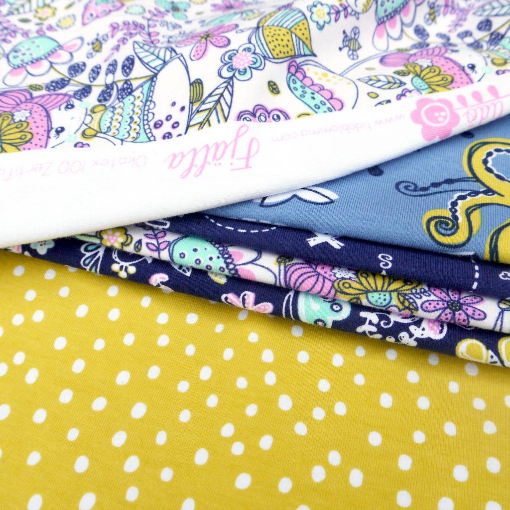 Tidöblomma Jersey Stoffe Fabric Rebekah Ginda Fjälla Bläckfisk Skattkarta Droppar Dots Summer